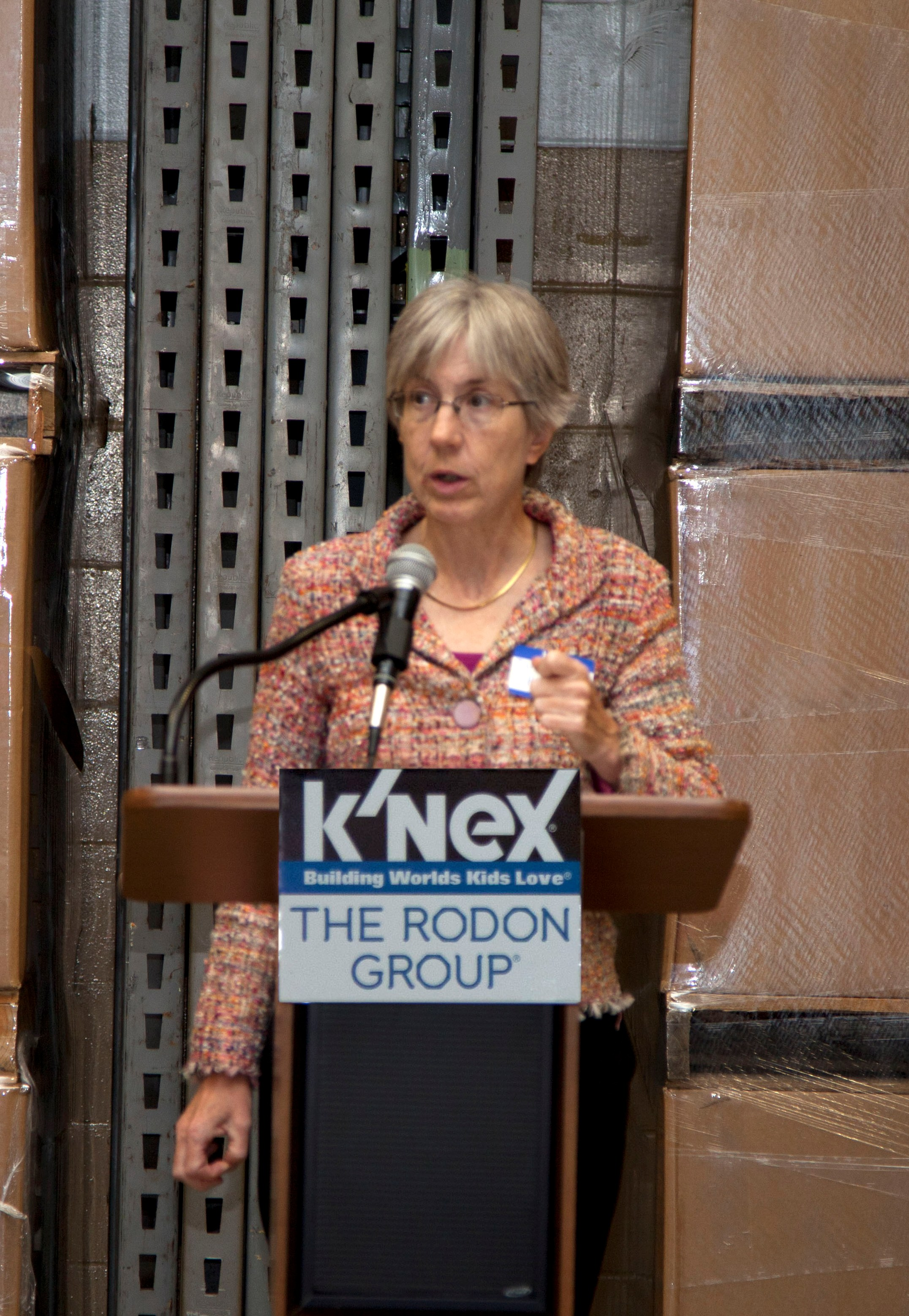 Dr._Sue_Helper_at_Manufacturing_Day